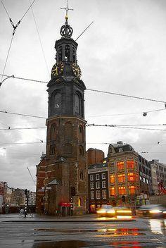 The Munttoren (Mint Tower).