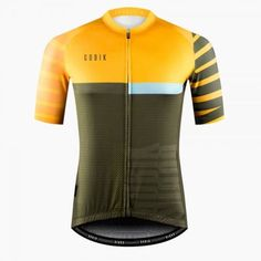 Learning to ride a bike is no big deal. Learning the best ways to keep your bike from breaking down can be just as simple. Cycling Wear, Bike Wear, Cycling Jerseys, Cycling Outfit, Cycling Clothing, Bike Kit, Bicycle Safety, Bicycle Maintenance, Cycling Equipment