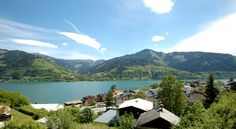 Appartementhaus Lake View Zell Am See Appartementhaus Lake View offers apartments with terrace and free Wi-Fi access in a sunny and quiet location above Zell am See, about 500 metres away from the centre.  The apartments feature a CD and a DVD player.