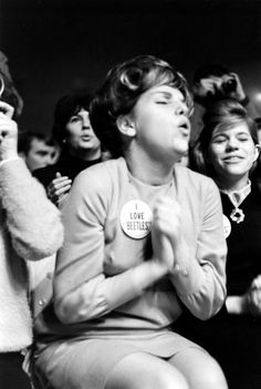 Beatles Fans 1964   Mad About the Boys: Rare Photos of Beatles Fans, 1964   LIFE.com
