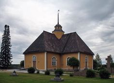 The Lutheran church Ähtävä, Ostrobothnia province of Western Finland.- Pohjanmaa Grave Monuments, Scandinavian Countries, Church Building, Graveyards, Lutheran, Old Buildings, Finland, Cathedral, Cabin