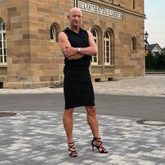 Men In Heels, High Heels, Best Comfortable Shoes, Tight Pencil Skirt, Men Wearing Skirts, T Dress, Straight Guys, Matches Fashion, Feminine Dress