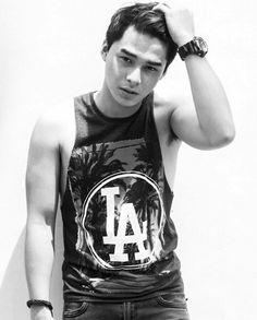 Korean Men, Asian Men, Park Bo Gum Wallpaper, Cute Asian Guys, College Boys, Attractive Guys, Straight Guys, Male Models, Lgbt