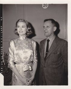 Dedicated to Grace Patricia Kelly Grimaldi American actress and Princess consort of Monaco, and her family Moda Grace Kelly, Grace Kelly Style, Princess Grace Kelly, Hollywood Fashion, Hollywood Stars, Classic Hollywood, Monaco, Classical Hollywood Cinema, Celebrity Couples