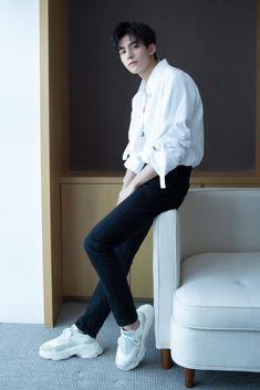 Korean Fashion Men, Boy Fashion, Mens Fashion, Chinese Fashion, Handsome Anime Guys, Handsome Boys, Asian Boys, Asian Men, Park Hyungsik Cute