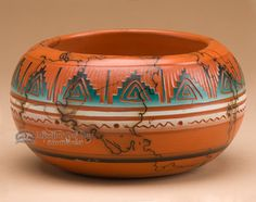 This unique piece of Navajo pottery is artfully hand etched to decorate the rustic vase. Native American Decor, Native American Baskets, Native American Artwork, Native American Beauty, Native American Pottery, Native American Artifacts, Native American Tribes, American Indian Art, Native American History