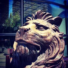 Charming Lion at Canary Wharf by overtongraphics