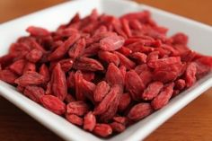 Goji berries are known as one of the most nutrient-dense foods on the planet. We should all add more goji berries to our diet. Here are five reasons you should eat goji berries every day. Dried Goji Berries, Gogi Berries, Red Berries, Healthy Fruits And Vegetables, Salud Natural, Nutrition, Shakeology, Superfoods, Health And Wellness