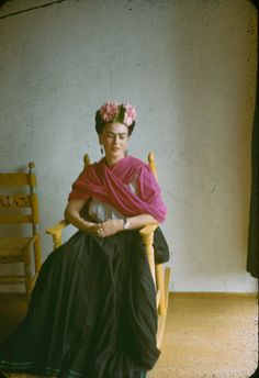 Frida Kahlo- halloween next year?