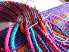 Wayuu mochila, workshop, RiannesHaaksels, Riannes Haaksels, cursus, wayuu mochila haken, RiannesHaaksels.nl, haak techniek, tapestry, haakpakket Tapestry Bag, Tapestry Crochet, Crochet Stitches, Knit Crochet, Crochet Patterns, Mochila Crochet, Toothbrush Rug, Yarn Over, Single Crochet