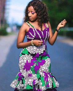 Here are some lovely ankara fashion outfits that will make you look sweet this holiday season. These ankara outfits come in different designs and styles just to give you that unique look you deserve. African Dresses For Kids, African Fashion Designers, Latest African Fashion Dresses, African Dresses For Women, African Print Fashion, African Attire, Ankara Fashion, Modern African Dresses, Dress Fashion