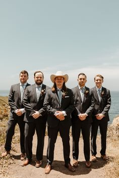 From the ocean to the mountains, this whimsical garden wedding at the heart of Big Sur features dreamy boho details and neutral decor. Groom Attire, Groom And Groomsmen, Vista Garden, Bee Makeup, Modern Groom, Wedding Week, Stylish Suit, Big Sur, First Dance