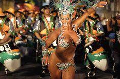 #Uruguay in festa. Inizia oggi il #Carnevale più lungo del mondo: http://ow.ly/HMy8N  El #Carnaval2015 si apre con la sfilata inaugurale a #Montevideo