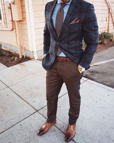 38 the ultimate guide on suit styling ideas for men 22 ⋆ talkinggames net is part of Mens tops fashion - 38 the ultimate guide on suit styling ideas for men 22 Blazer Outfits Men, Mens Fashion Blazer, Suit Fashion, Casual Outfits, Stylish Men, Men Casual, Herren Outfit, Dapper Men, Suit And Tie