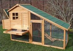 great idea to have a slide out tray to clean the roosting area from the outside…. great idea to have a slide out tray to clean the roosting area from the outside…. Diy Chicken Coop Plans, Portable Chicken Coop, Best Chicken Coop, Backyard Chicken Coops, Building A Chicken Coop, Chicken Runs, Chickens Backyard, Sussex Chicken, Chicken Tractors