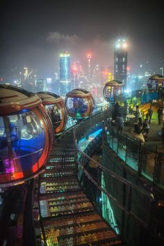 Futuristic cyberpunk orbs In a surreal city setting Cyberpunk City, Cyberpunk Kunst, Futuristic City, Futuristic Technology, Futuristic Architecture, Science And Technology, Technology Gadgets, Technology Design, City Architecture