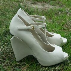 Offwhite cream heelsNEW Brand new  Never worn  Great price  Make me an offer  No pay pal  No trade Qupid Shoes Heels