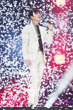 N E W S | 2016 April 16 (Friday) #LOTTE Family #Festival | #KOREA | #Seoul #ActorLeeMiHo | #LeeMinHo | #Korean #Actor  #HallyuStar  LeTV #Award | 13 April 2016 (Wed) | #ASIA Most Popular #IDOL #Fashion #Style #WHITE Suit  (Source: bntnews    } 15 April (Friday) 2016  @ 18:55 hours }