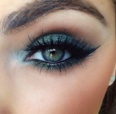30 Most Sexy And Gorgeous Blue Eye Makeup For Prom And Wedding - Eye Makeup ✿✿ 𝕾𝖊𝖝𝖞 𝕰𝖞𝖊 . - 30 Most Sexy And Gorgeous Blue Eye Makeup For Prom And Wedding – Eye Makeup ✿✿ 𝕾𝖊𝖝𝖞 𝕰𝖞𝖊 𝕸𝖆𝖐𝖊𝖚𝖕 ✿✿ ✿ ✿ ✿ ✿ - Prom Eye Makeup, Sexy Eye Makeup, Wedding Eye Makeup, Eye Makeup Steps, Hooded Eye Makeup, Blue Eye Makeup, Smokey Eye Makeup, Gorgeous Makeup, Bridal Makeup