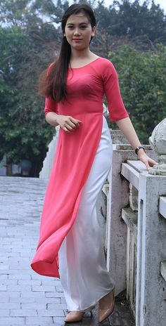 Vietnamese Traditional Dress, Traditional Dresses, Beautiful Girl Indian, Most Beautiful Indian Actress, Vietnamese Clothing, Vietnamese Dress, Indian Gowns Dresses, Fashion Tights, Bollywood Girls