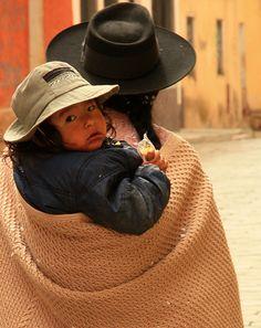 #babywearing, écharpe de portage au Guatemala via @magrossesse