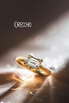 【オレッキオ】エメラルドカットダイヤ婚約指輪