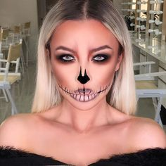 Halloween fun! Used the @urbandecaycosmetics naked ultimate basics palette to create this look! Inspired by @makeupbyjaack!  #urbandecay #halloween #halloweenmakeup