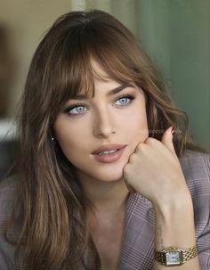Most Beautiful Eyes, Lovely Eyes, Beautiful Girl Image, Beautiful Person, Brunette Beauty, Hair Beauty, Dakota Johnson, Beauty Full Girl, Bride Hairstyles