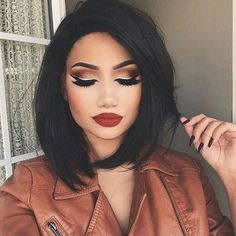 Hair Style: Long Bob&Dark hair Hair and makeup are on point.
