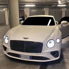 69 Ideas For Luxury Cars Dreams Bentley Continental Luxury Sports Cars, New Sports Cars, Best Luxury Cars, Sport Cars, Luxury Auto, Bentley Auto, New Bentley, Bentley Motors, Bentley Continental Gt Cabrio