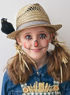 Simple Halloween Make-up for Kids Simple Halloween costumes for kids. Easy Halloween make up for kids. Fun Halloween make up for kids. Scarecrow Halloween Makeup, Halloween Costumes Scarecrow, Halloween Scarecrow, Diy Halloween Costumes For Kids, Halloween Makeup Looks, Halloween Outfits, Scary Halloween, Halloween Party