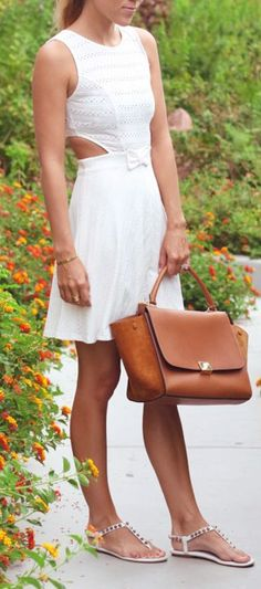 Summer white - love this! http://www.studentrate.com/fashion/fashion.aspx