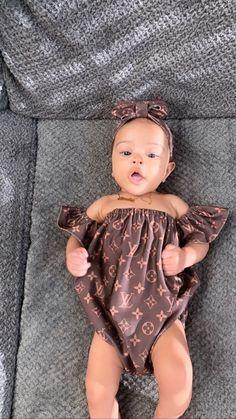 Tai bowen on Cute Mixed Babies, Cute Black Babies, Black Baby Girls, Beautiful Black Babies, Cute Little Baby, Black Kids, Cute Kids Fashion, Baby Girl Fashion, Cute Little Girls Outfits