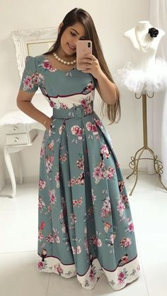 Love this but in a shorter style Party Wear Maxi Dresses, Modest Dresses, Modest Outfits, Simple Dresses, Classy Outfits, Dress Outfits, Casual Dresses, Fashion Dresses, Shweshwe Dresses