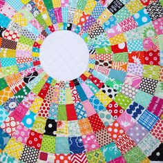 Red Pepper Quilts: Giant Dresden Plate Quilt - A Finished Quilt ---Rita does a fabulous job...inspirational web pages and work