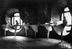 the Paris Opera during rehearsal of Swan Lake, 1930 - Alfred Eisenstaedt
