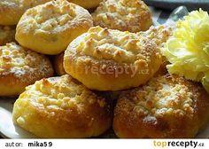Kynuté dýňové koláčky recept - TopRecepty.cz Pavlova, Doughnut, Baked Potato, Hamburger, Muffin, Bread, Baking, Breakfast, Ethnic Recipes