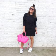 Now y'all know I love a sweatshirt and I love a dress so a sweatshirt dress is nothing short of. Read the Post Black Women Fashion, Look Fashion, Womens Fashion, Fashion Usa, Fashion Edgy, Fashion Spring, Milan Fashion, Ladies Fashion, Curvy Outfits