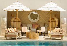Miami Beach: TIDES SOUTH BEACH Com uma localização privilegiada, no coração do distrito Art Déco, este sofisticado hotel tem apenas 45 acomodações, todas de frente para o mar. Como está próximo das principais zonas de entretenimento, alimentação e compras de Miami, o Tides é uma ótima base para explorar a região. Para aproveitar a praia, os hóspedes tem à disposição cadeiras, guarda-sol e toalhas de praia diariamente, assim como um cocktail de boas vindas.