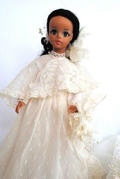 Ana Caldatto : Antigo Vestido Noiva Comemorativo 15 anos Boneca Susi - 1981