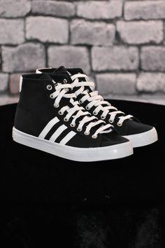 b362ae32ff791 Adidas Originals Court Vantage Mid Men s Sneakers Black Size US 11  53.00