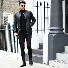 Looking cool is no easy task. There are so many things one has to be careful about. From the matching of your outfit to picking the right clothes, everything needs to be on point to look your best.