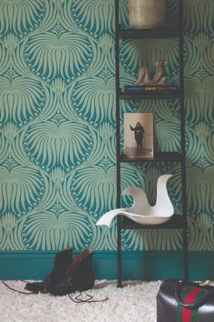 Elegant lotus-flower Farrow & Ball wallpaper inspired by the Arts & Crafts movement. Shown here in Vardo and Breakfast Room Green Lotus Wallpaper, Metallic Wallpaper, Damask Wallpaper, Paper Wallpaper, Green Wallpaper, Home Wallpaper, Colorful Wallpaper, Contemporary Wallpaper, Wallpaper Ideas