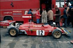 Niki Lauda...Luca Cordero di Montezemolo...Scuderia Ferrari SpA SEFAC...Ferrari 312B3-74...Motor Ferrari 001/11 F12 3.0...1974