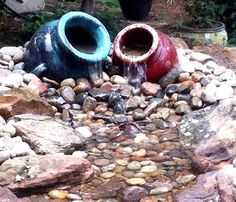 Water Art: Set of leaning bubbling vases / urns. This is probably the easiest DIY water feature, and can most definately be completed in a weekend! Diy Water Feature, Backyard Water Feature, Ponds Backyard, Diy Fountain, Garden Fountains, Water Fountains, Outdoor Water Features, Water Features In The Garden, Water Pond