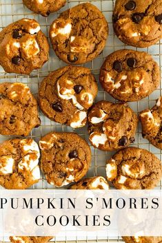 Jul 21, 2020 - pumpkin s'mores cookies are a delicious pumpkin cookie! Gooey marshmallows, melty chocolate chips, and hints of pumpkin and pumpkin spice infuse each bite! Fall Desserts, Just Desserts, Delicious Desserts, Yummy Treats, Sweet Treats, Dessert Recipes, Yummy Food, Thanksgiving Desserts, Christmas Desserts