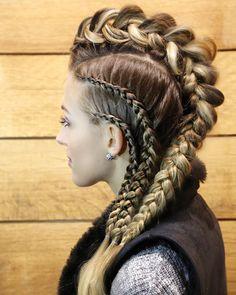 Looks que molan # viking Braids lagertha Blue 01 Stylist ( # viking Braids lagertha # viking Braids lagertha Braided Hairstyles, Cool Hairstyles, Pirate Hairstyles, Viking Hairstyles, Faux Hawk Hairstyles, Updo Hairstyle, Braided Updo, Wedding Hairstyles, Mohawk Braid