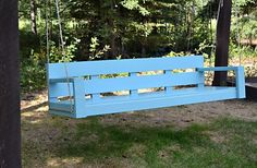 """<a href=""""http://ana-white.com/2011/06/large-modern-porch-swing-or-bench"""" target=""""_blank""""><strong>DIY Modern Porch Swing via Ana White</strong></a>"""