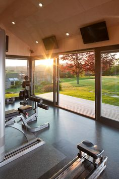 gym room at home luxury / gym room - gym room at home - gym room ideas - gym room at home small spaces - gym room at home ideas - gym room at home luxury - gym room design - gym room luxury Home Gym Garage, Diy Home Gym, Home Gym Decor, Gym Room At Home, Workout Room Home, Best Home Gym, Home Theater Rooms, Workout Rooms, Home Gym Design