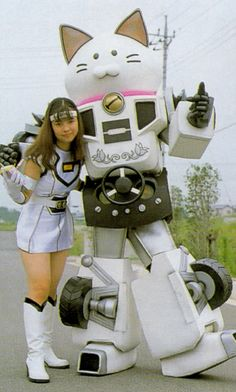 Japanese girl with Robo-cat Transformer! WAY COOL!